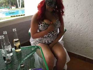 Borracha mexicana se masturba en balcon de kız oğlanı sikiyor weedhotsama