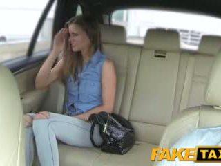 Faketaxi дама wants към виждам drivers голям хуй