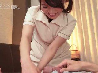 Où à toucher une guy à tour lui sur - nana nakamura