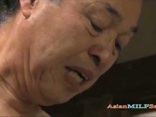 Seksi warga asia milf enjoys being shagged lama dan keras