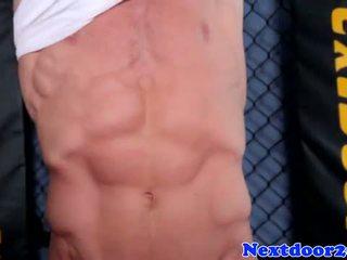 Athletisch homo hunk wanking seine schwanz