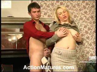 Heet actie rijpt video- starring christie, vitas, sara