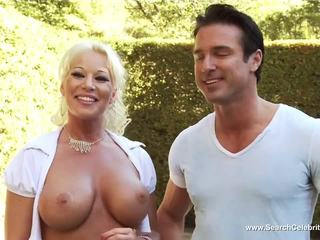 Heather Vandeven and Cynthia Lucas in Pleasure Spa