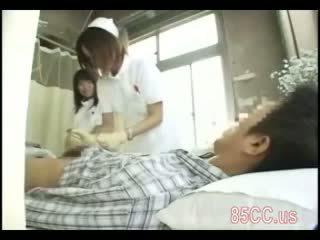 Sporco infermiera gives sesso servizio a dottore
