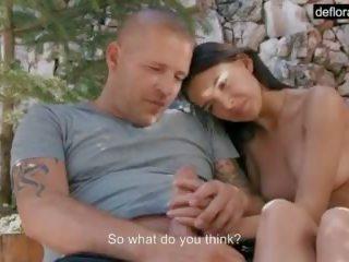 我 m mirelle gauthie 和 在 这 视频, 我 输 我的 virginity