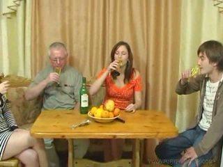 Pure російська сім'я секс відео