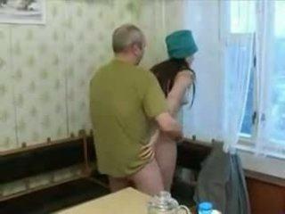 Quente 19 yo jovem grávida screwing an velho homem!