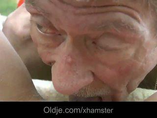 Scrawny старий людина does анал 21 сексуальна longhaired білявка
