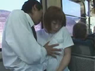 Vyzreté japonské prsnaté mama nahmatané a fucked v autobus video
