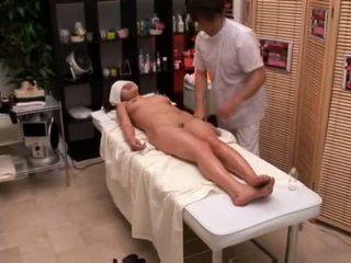 Коледж дівчина seduced по masseur