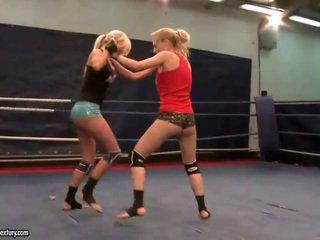 lesbiană, lupta lesbiene orice, mare muffdiving