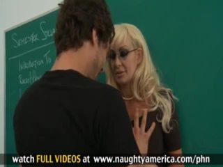 Xander corvus, brittany oneil e pisët teachersã¢â€â™ seks