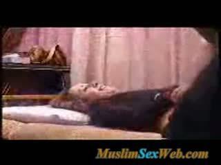 Egyptisch guy beats en fucks zijn vriendin