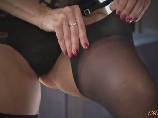 Ania kinski dressing nach oben und putting makeup für sex
