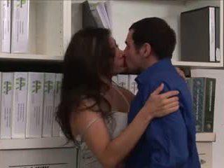 Femme fucks en la bibliothèque par wf