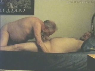 할아버지 has 재미 와 grandson