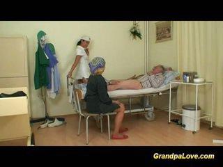 Nagypapa picsa baszás a ápolónő