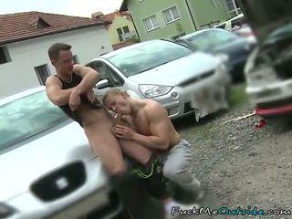 Auto mechanic barebacks suo cliente