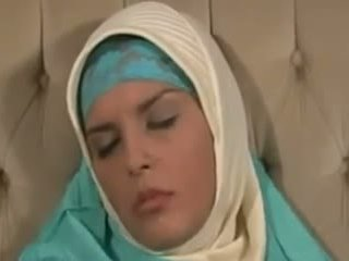 Horney arab বালিকা