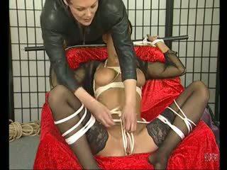 褐髮女郎 媽媽我喜歡操 loves being tied 向上 - julia reaves