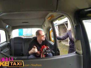 Femalefaketaxi runaway passenger restrained podle dominant blondýnka driver