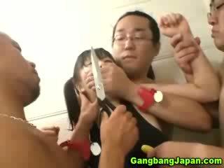 เอเชีย ผู้หญิงสำส่อน กลุ่ม grope ถึงจุดสุดยอด
