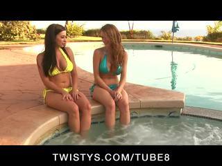 Emily addison dan taylor vixen mempunyai yang besar seks session