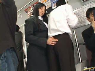 Saori hara den thailändska stunner gives en slicka i den subway