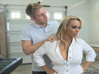 Holly Halston Returns Favor By Fucking In Truck