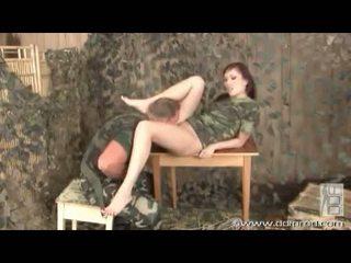 Aisha san gives sebuah kaki pekerjaan di memajukan dari getting seksi alat kemaluan wanita bashed dengan wang
