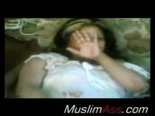Arab πόρνη flashes αυτήν μουνί