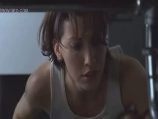 Gina gershon in jennifer tilly veza