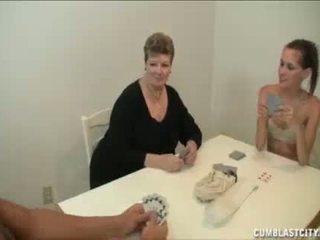Dospívající a maminka busting the nut na the soused chlapec