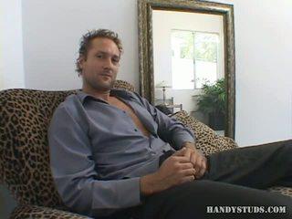 Eric suiza plays con su hombre meat