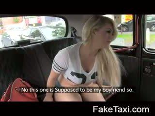 Fake taxi camera mensen having drx om fake taxi