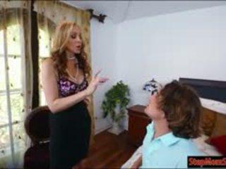 امرأة سمراء, كامل كبير الثدي تحقق, حار اللسان أي