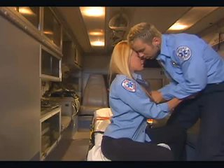Nichole sheridan hardcore baise en ambulance