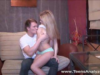 Gorące rosyjskie nastolatka accepts anal propozycja