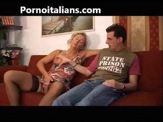 意大利人 懶婦 fucks 媽媽 同 兒子 - mamma italiana troia scopa con figlio italia