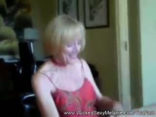 Spying on amateur stepmom melanie