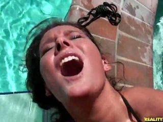 Erin πέτρα gets hardcored με ο πισίνα