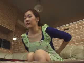 Japanska lonely momen masturbate i livingroom video-