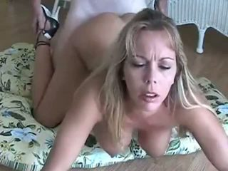 Amber lynn bach gets doggy baisée & creampied: gratuit porno eb