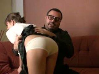 Πατέρας torbe είναι πίσω και σήμερα he?s taking φροντίδα του julia