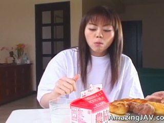 Zmyslové lips na a japonské dievča kto