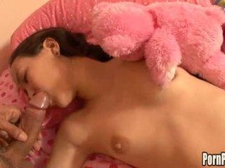 Asin pleasantheart amai liu acquires dia muka hole attacked oleh sebuah kontol sementara tidur