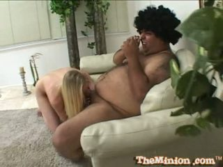 Aaliyah jolie manger de une minuscule bite de une cubby chap