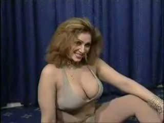 Pakistanisch bigboobs aunty nackt dance im sie schlafzimmer