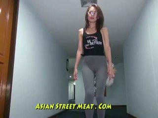 Buggered filipina উপর তার rectum