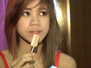 Monada titty tailandesa tia 18 loves licking